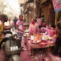 Mon voyage à Delhi en Inde: Fête Holi, Gurudwara Bangla Sahib et Hauz Khas village