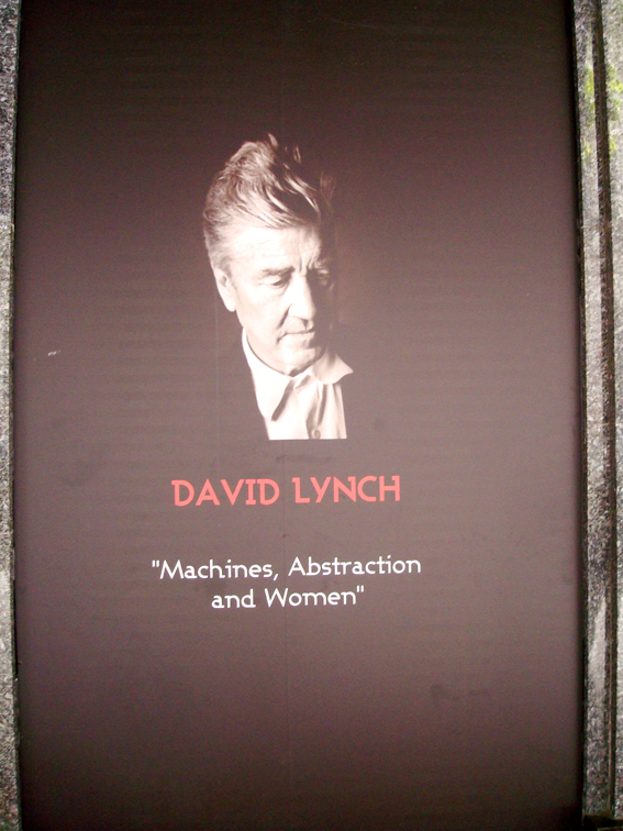 Vitrine David Lynch aux galeries Lafayette
