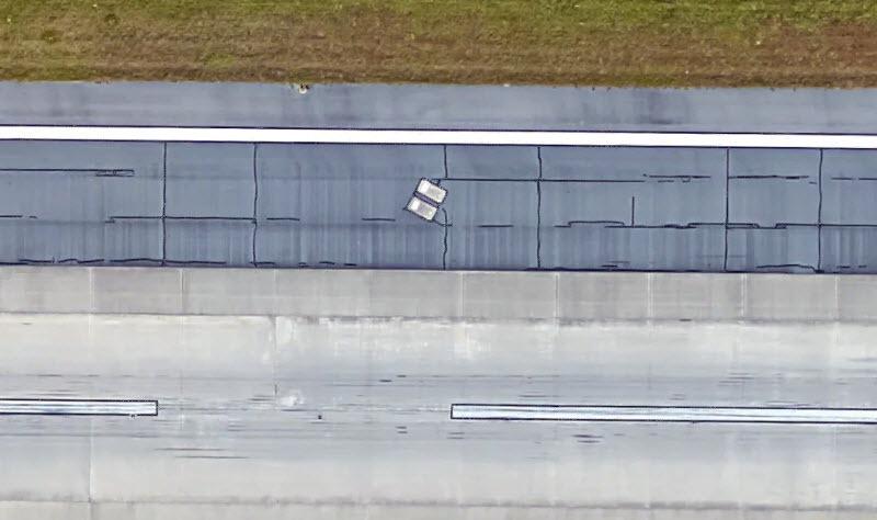 Les tombes de Richard et Catherine Dotson sur les pistes de l'aéroport de Savannah en Géorgie aux USA