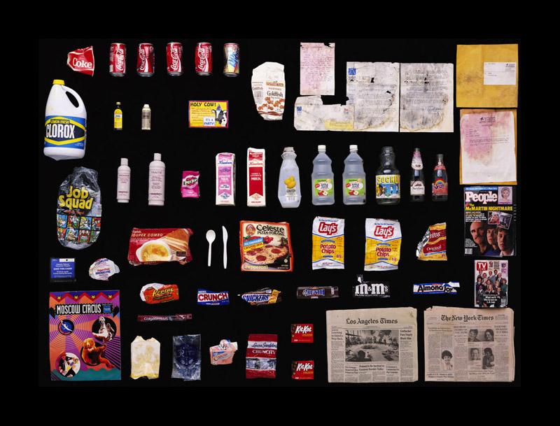 Exposition Trash photographes Bruno Mouron et Pascal Rostain Poubelle de Steven Spielberg