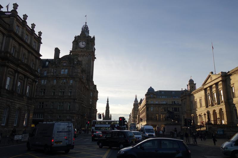 Mon voyage à Princes Street et Scott Monument à Édimbourg en Écosse